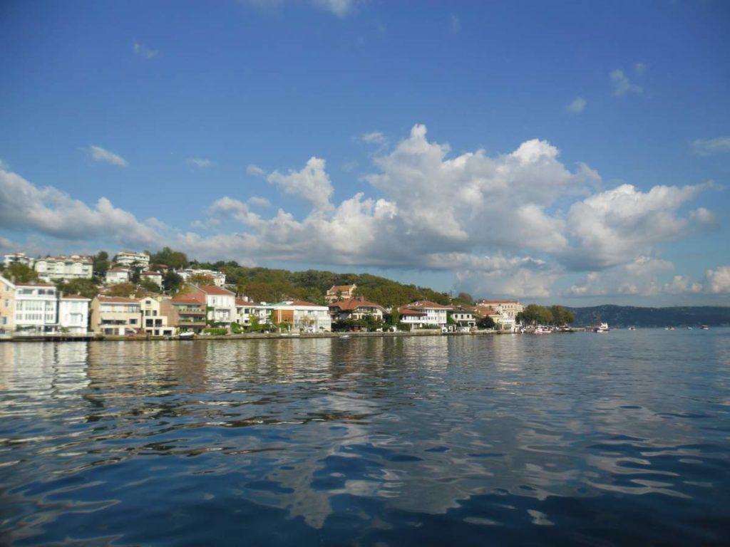 Crossing the Bosphorus by boat 06
